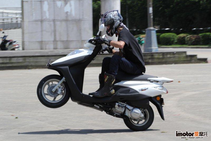 新大洲本田经典踏板Dio评测