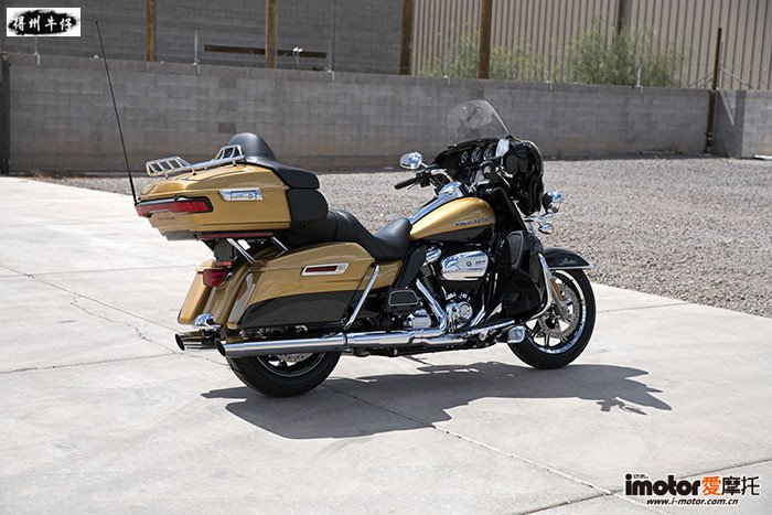 2017-Harley-Davidson-Ultra-Limited3-small.jpg
