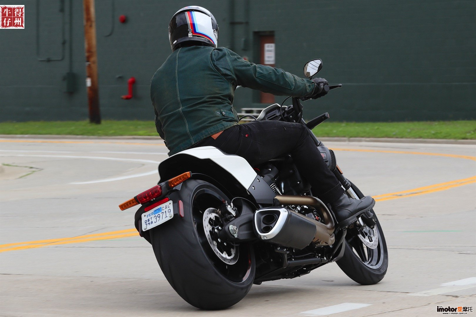 2019-Harley-Davidson-fxdr-114-review-power-cruiser-motorcycle-6.jpg