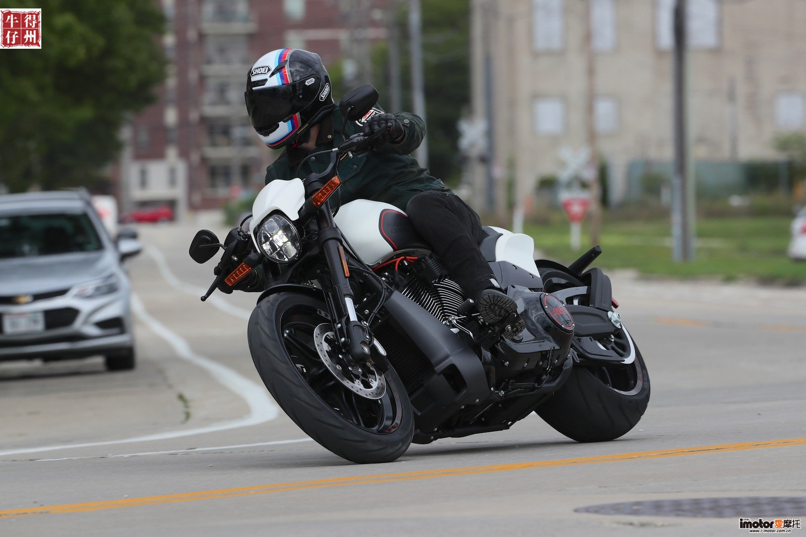 2019-Harley-Davidson-fxdr-114-review-power-cruiser-motorcycle-8.jpg